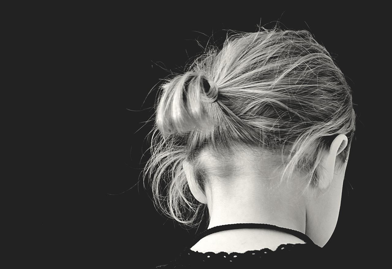 Jak składać kondolencje młodej osobie?