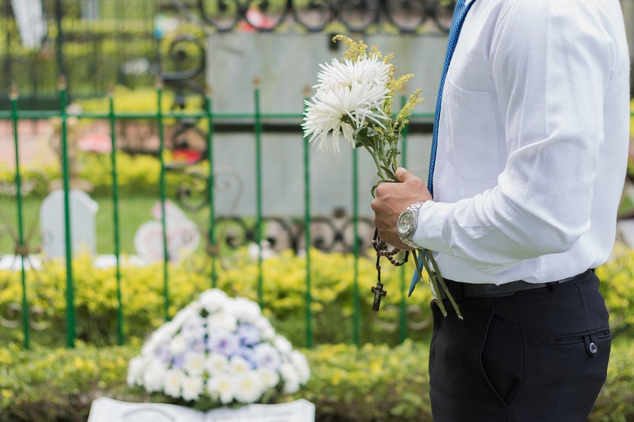 kremacja czy pogrzeb tradycyjny
